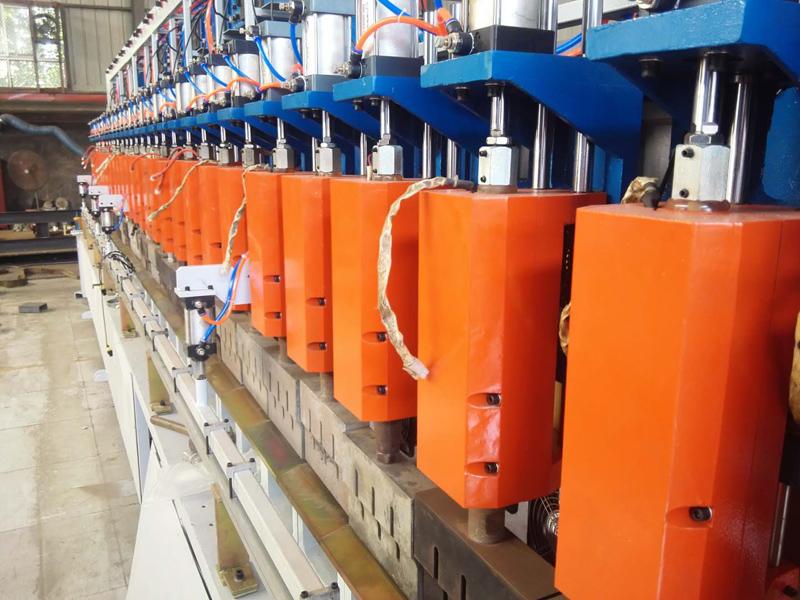 全自动钢塑格栅焊接生产线